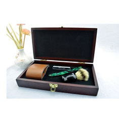 Wooden Box Vintage Shaver Set