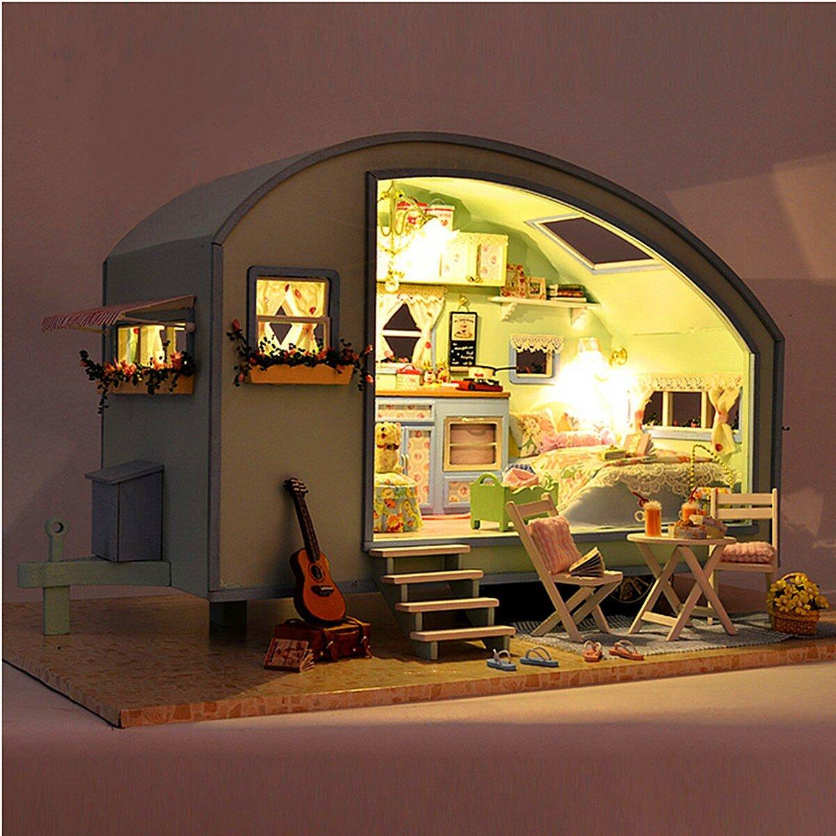 Cuteroom DIY लकड़ी के गुड़ियाघर लघु किट गुड़िया घर एलईडी + संगीत + आवाज नियंत्रण