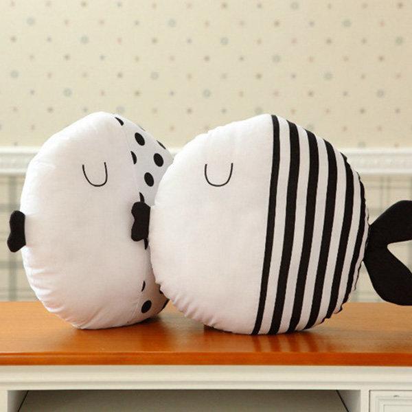 प्यारा डॉट चुंबन मछली फेंक तकिया कपास कपड़ा सोफा कार बिस्तर कुशन गृह सज्जा