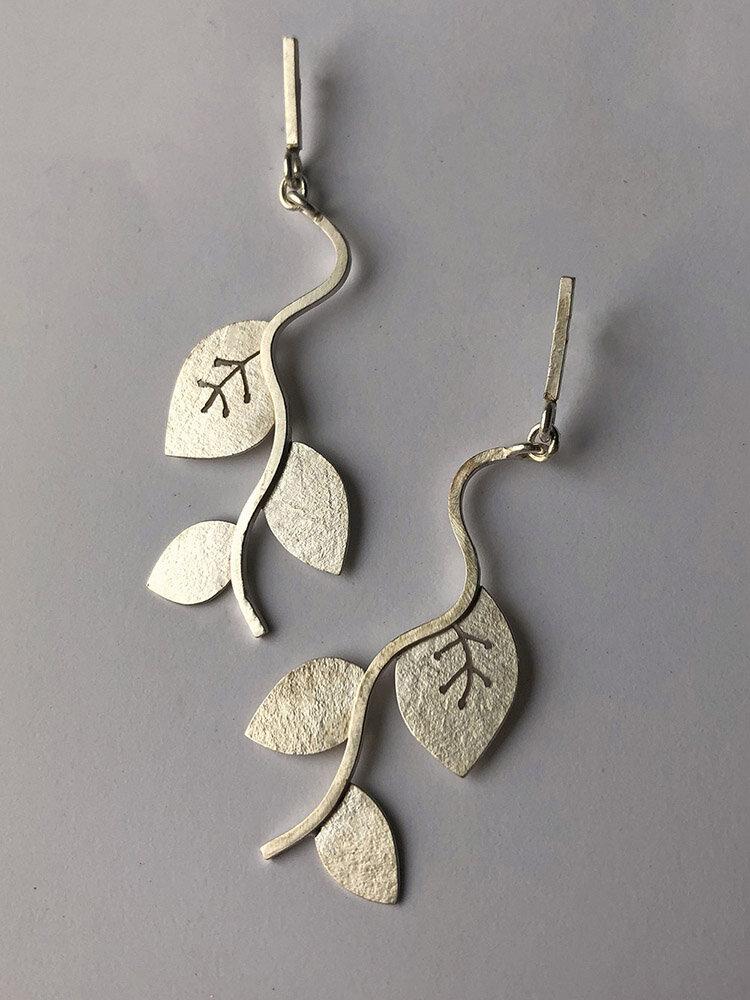 Vintage Silver-Plated Long Women Earrings Symmetrical Grape Vine Leaf Pendant Earrings Jewelry Gift