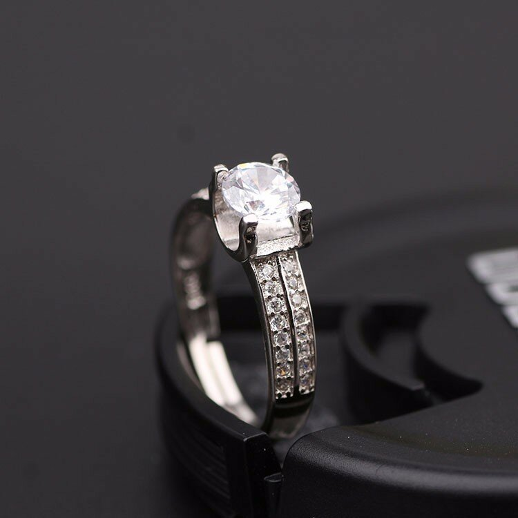 S925 Simple Silver Four Claws Zircon Crystal Ring