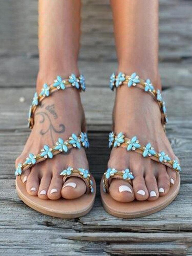 Sandali piatti con punta ad anello con cinturino alla caviglia per donna