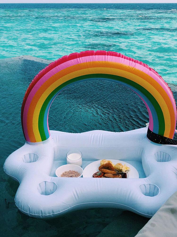 ビーチピクニックパーティーインフレータブルウォーターアイスバーテーブルカップサラダプレートプール電話カップドリンクフローティングホルダーミニビーチフローティング列