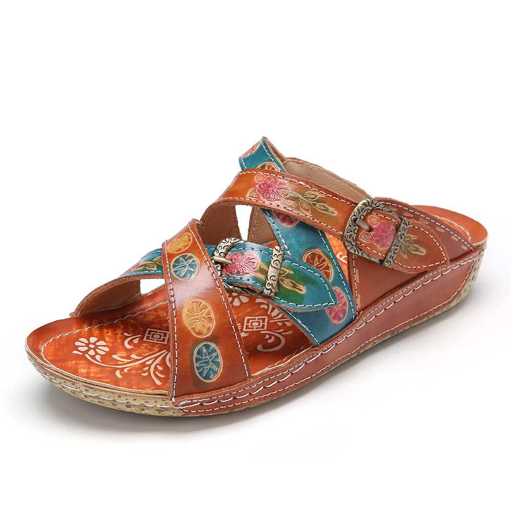 SOCOFY Retro Leather Embossed Floral Stitched Sip on Slides Flat Sandals
