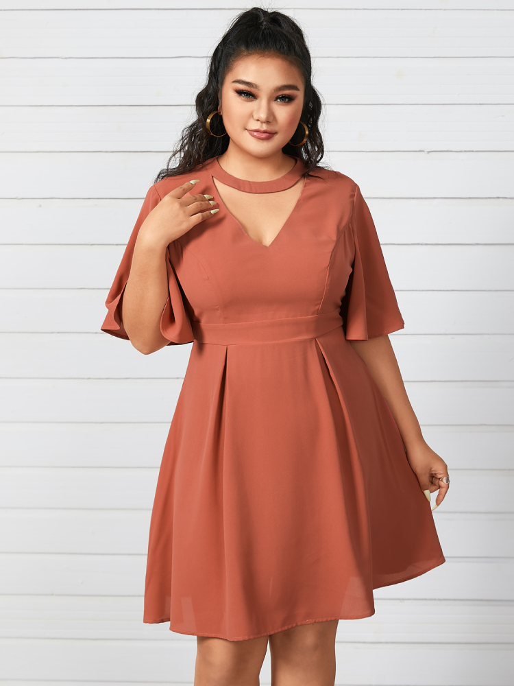 Solid Chocker V-neck Plus Size Casual Dress for Women