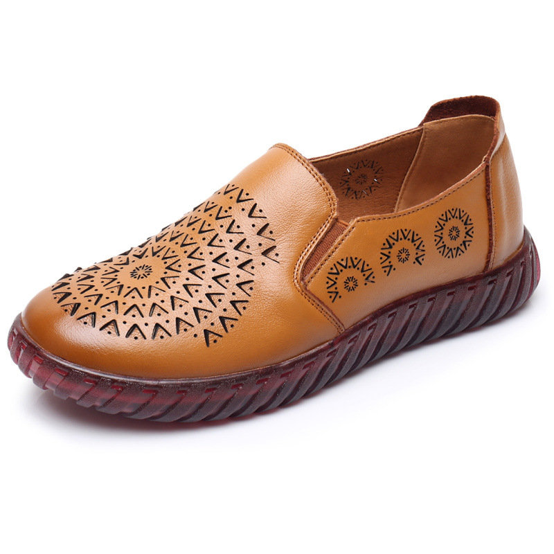 Embossing Round Toe Soft Sole Casual Flat Loafers