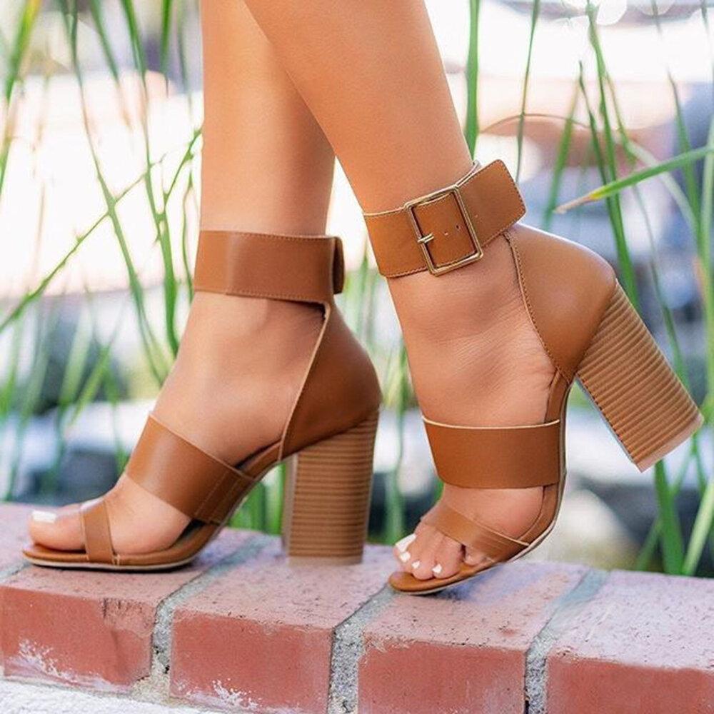 Plus Talla Hebilla Simple Correa de tobillo Apilado Zapatos de punta abierta de tacón alto para Mujer