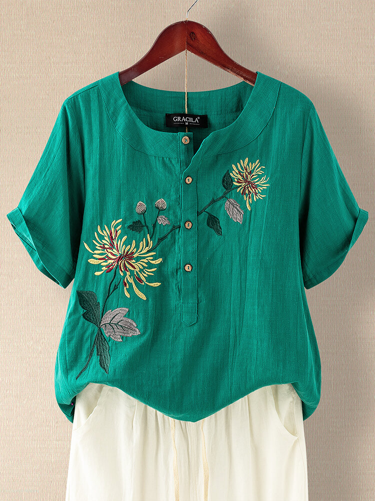 Floral Embroidery Button O-Neck Vintage T-shirt