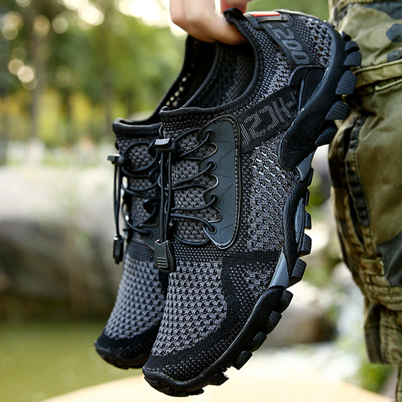 Men Knitted Fabric Water Wadding Shoes Outdoor Slip Resistant Sneakers