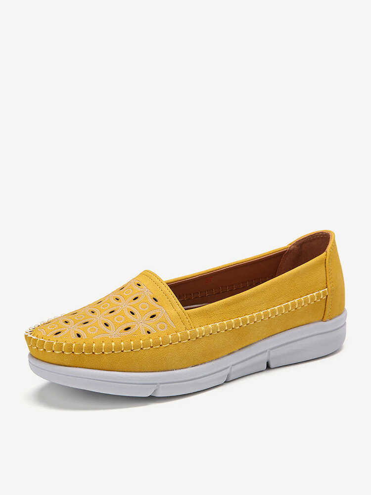 LOSTISY Women Hollow Comfy Massage Soft Sole Casual Flats