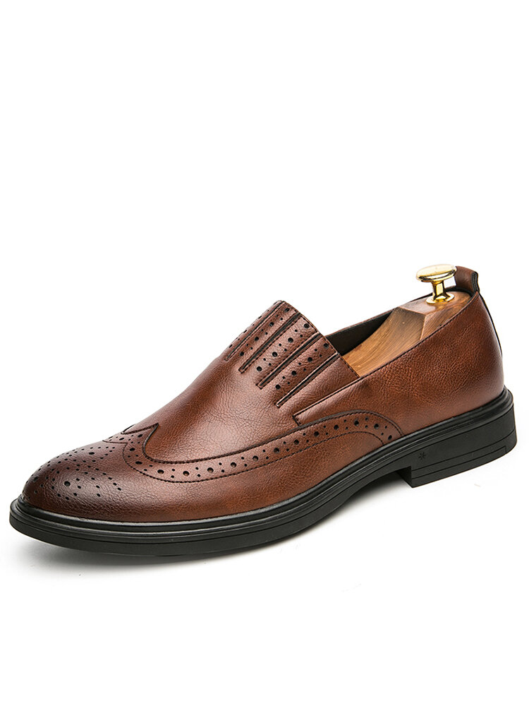 Men Broguo Carved Pure Color Leather Pointed Toe Casual Comfy Slip-on Dress Shoes