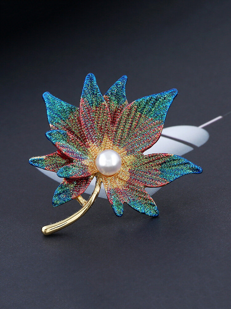 Fashion Big Leaf Brooch Maple Leaves Pearl Brooch Pins Jewelry for Women Dress Accessories