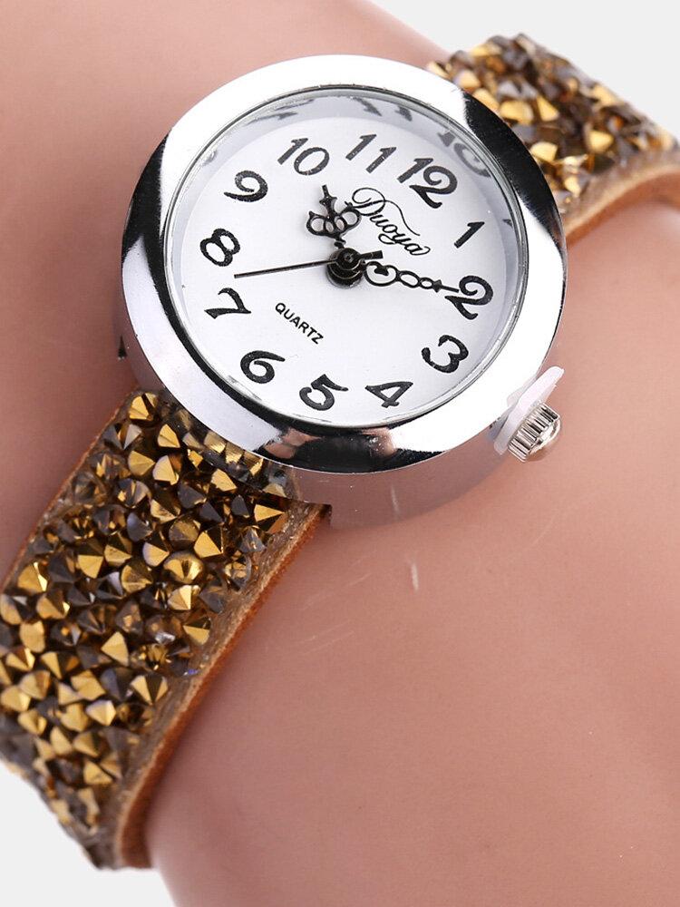 女性のためのファッションクォーツ腕時計マルチカラーレザーラインストーンストラップ因果ブレスレットウォッチ