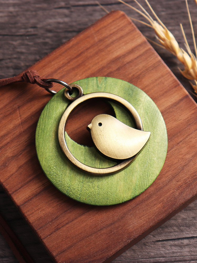 Vintage Alloy Bird Round Wood Plate Pendant Necklaces Cute Women Long Necklaces Clothing Accessories