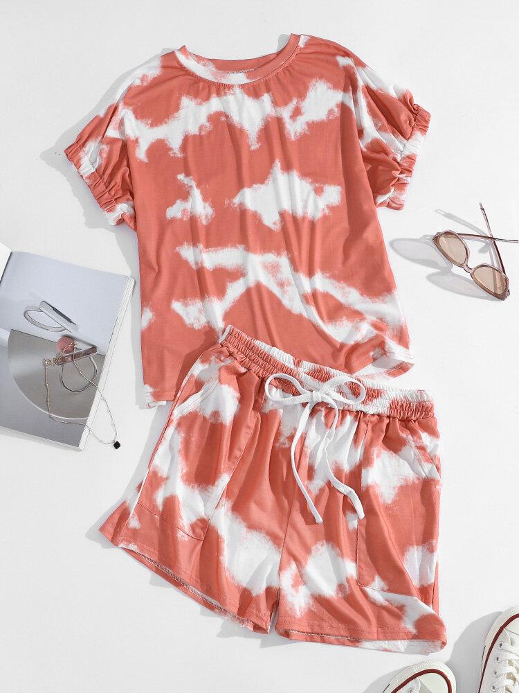 Camiseta con efecto tie dye y pantalones cortos con cordón y bolsillo Traje casual