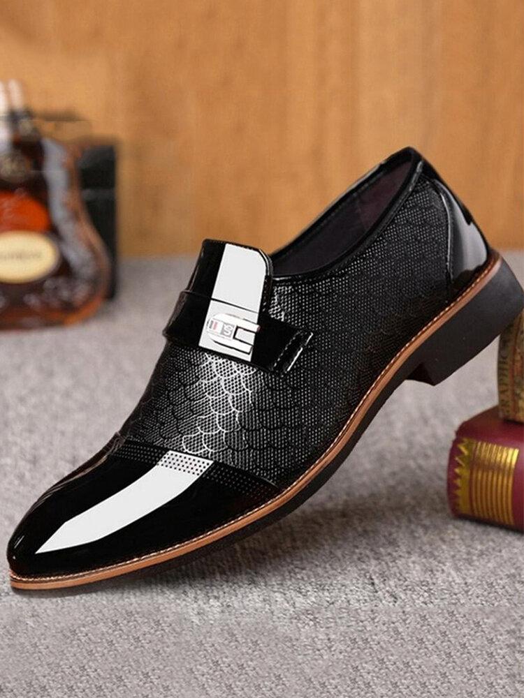 Scarpe eleganti da uomo eleganti con punta in punta di grandi dimensioni
