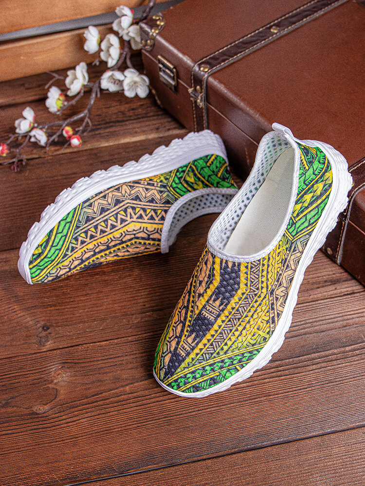 SOCOFY Large Size Light Weight Bohemian Unique Style Pattern Net Cloth Breathable Slip Resistant Casual Running Shoes Unisex Sneakers