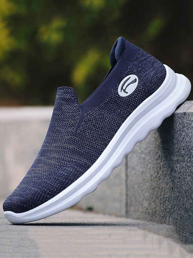 Men Light Weight Knitted Fabric Soft Sole Casual Walking Sneakers