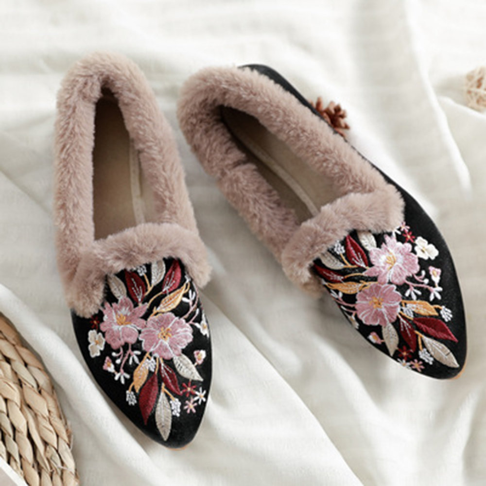 Embroidered Stylish Flower Pointed Toe Furry Smoking Loafers