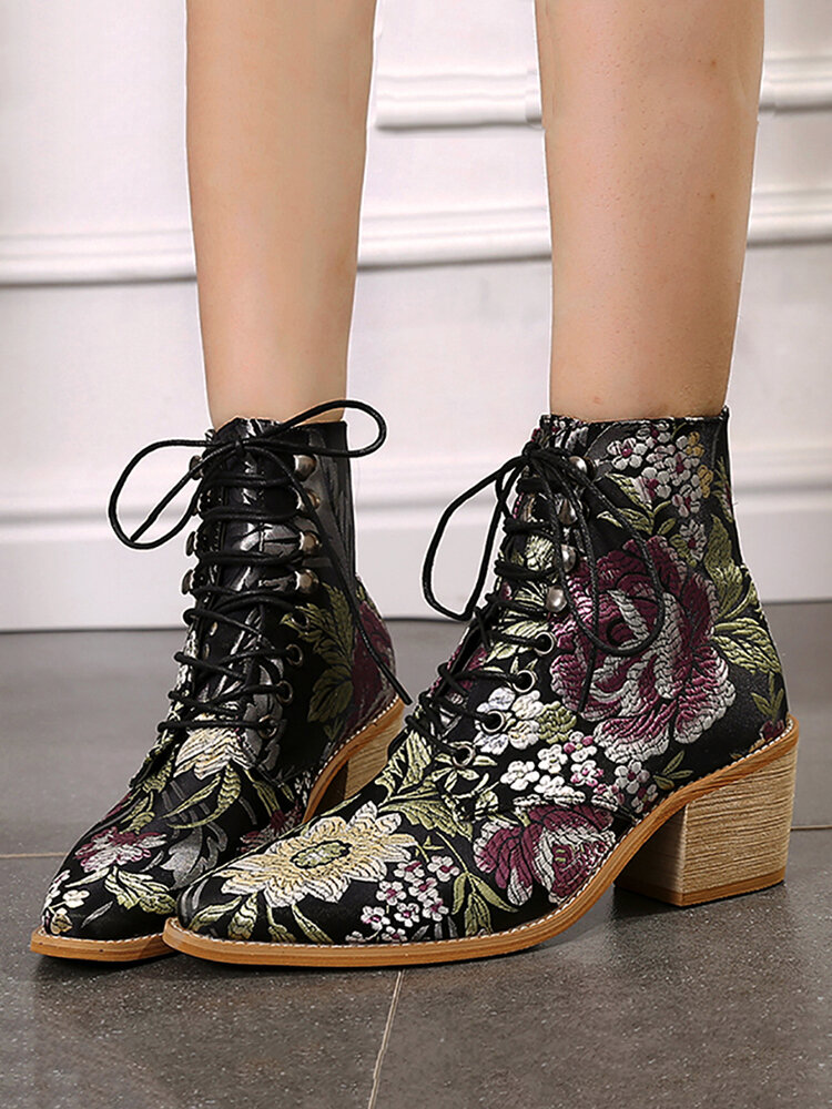 Plus Size Women Fashion Pointed Toe Flowers Embroideried Square Heel Strappy Short Boots
