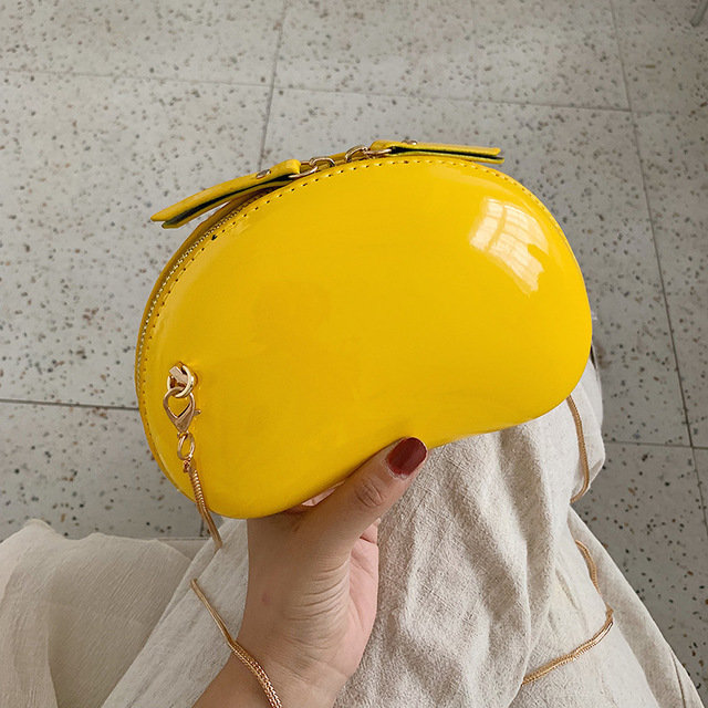 Ins Bag Female Tide Season New Girl Chain Fashion Wild Shoulder Diagonal Pouch