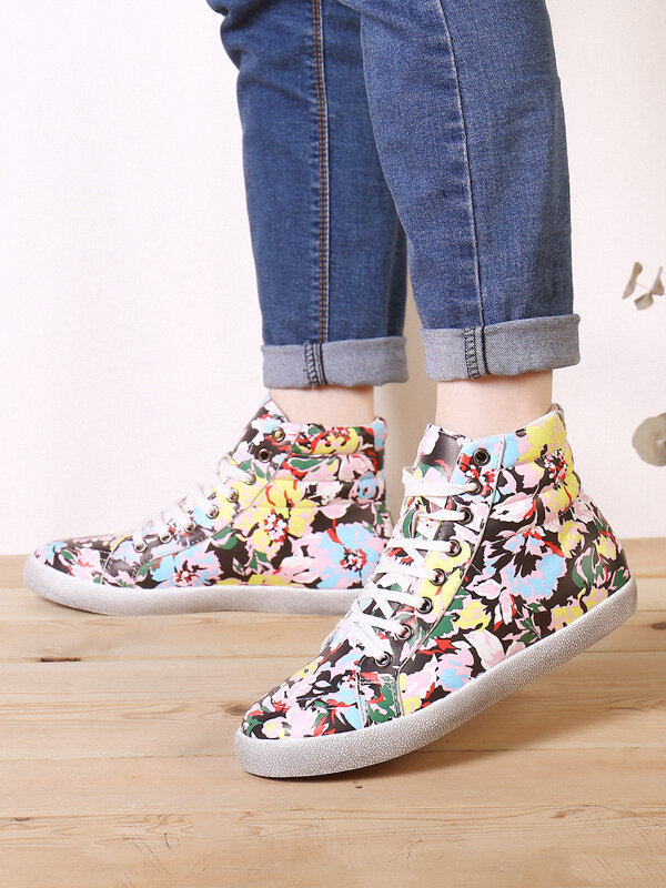SOCOFY Women Dark Color Prosperous Flowers Printed Comfy Wearable Casual Lace Up Camo Casual Sneakers Running Walking Shoes Stitching Skate Shoes High-top Sport Shoes For Easter Gifts