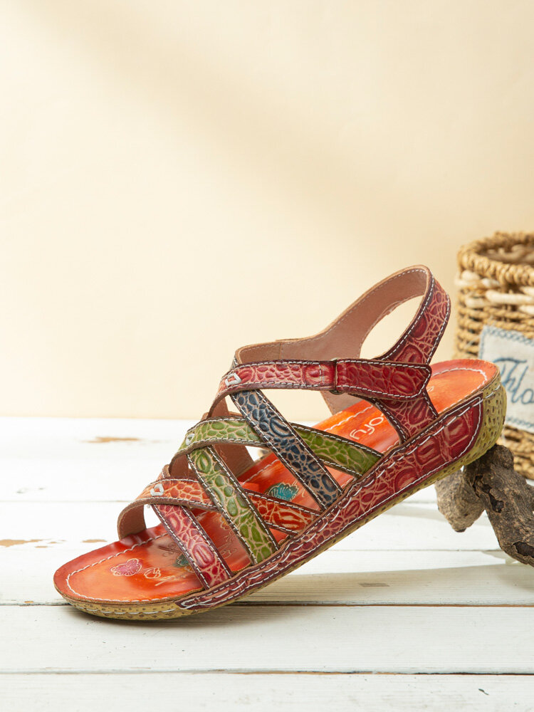 Socofy rétro imprimé couleur bloc sangle croisée en cuir véritable crochet boucle confortable sandales à rayures plates