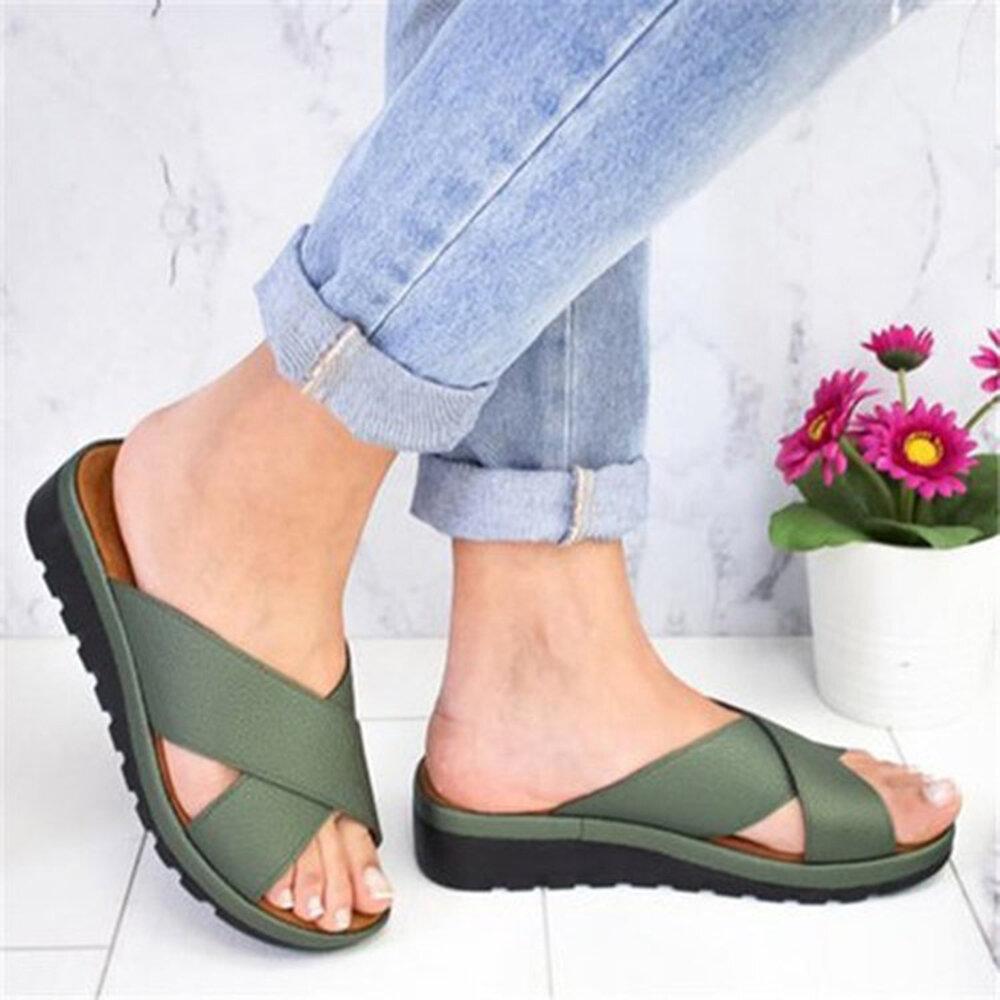 حذاء نسائي كبير الحجم ومفتوح من الأمام ومفتوح من الأمام اللون شبشب أسافين غير منزلق