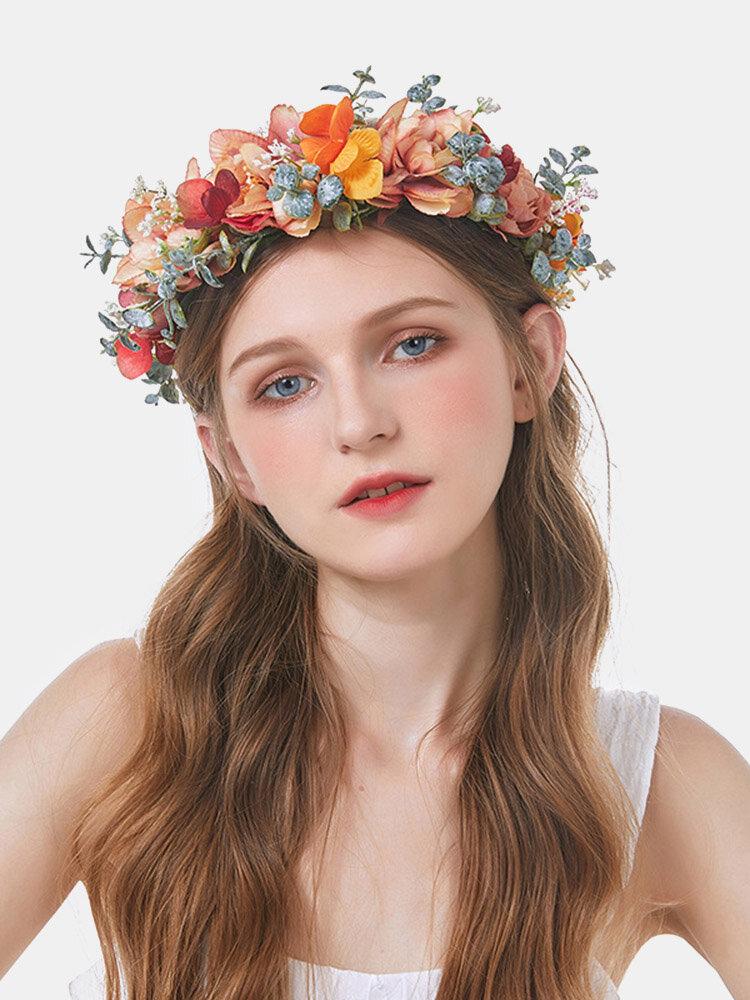 クリスマスの森水草カローラ色の花の花嫁の結婚式のギフトのヘッドバンド