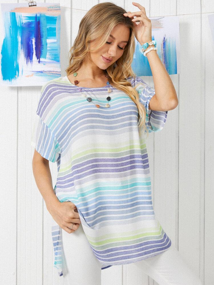T-shirt décontracté à col rond et imprimé à rayures avec ourlet fendu pour femme