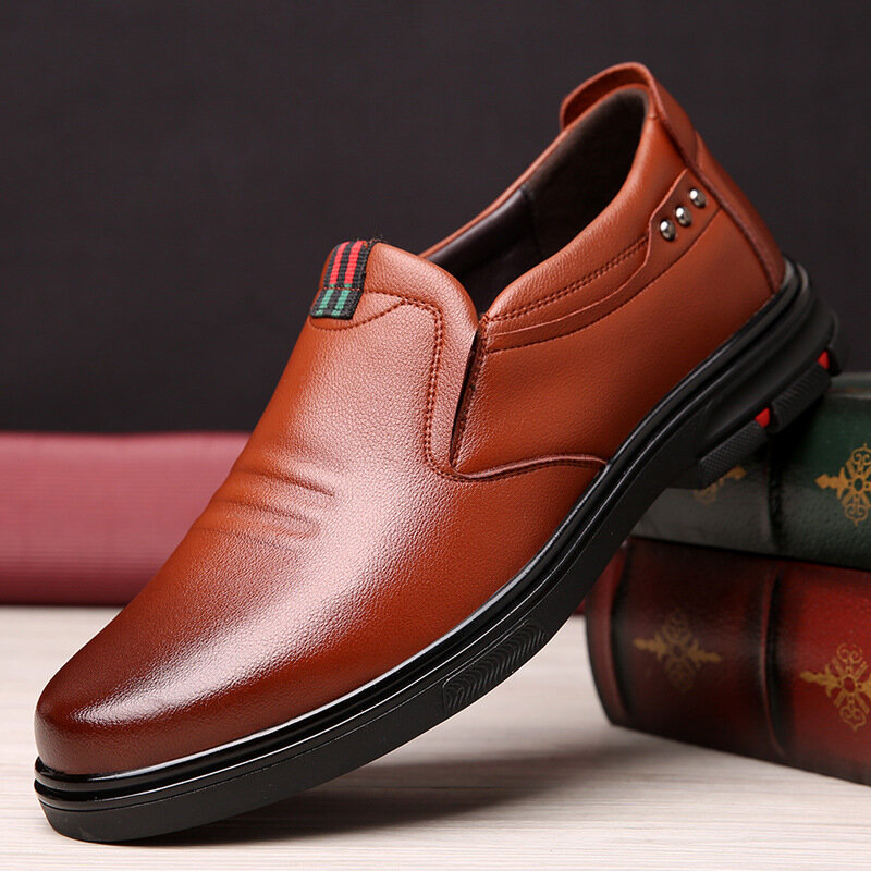 Men Cow Leather Slip Resistant Slip On Business Casual Shoes
