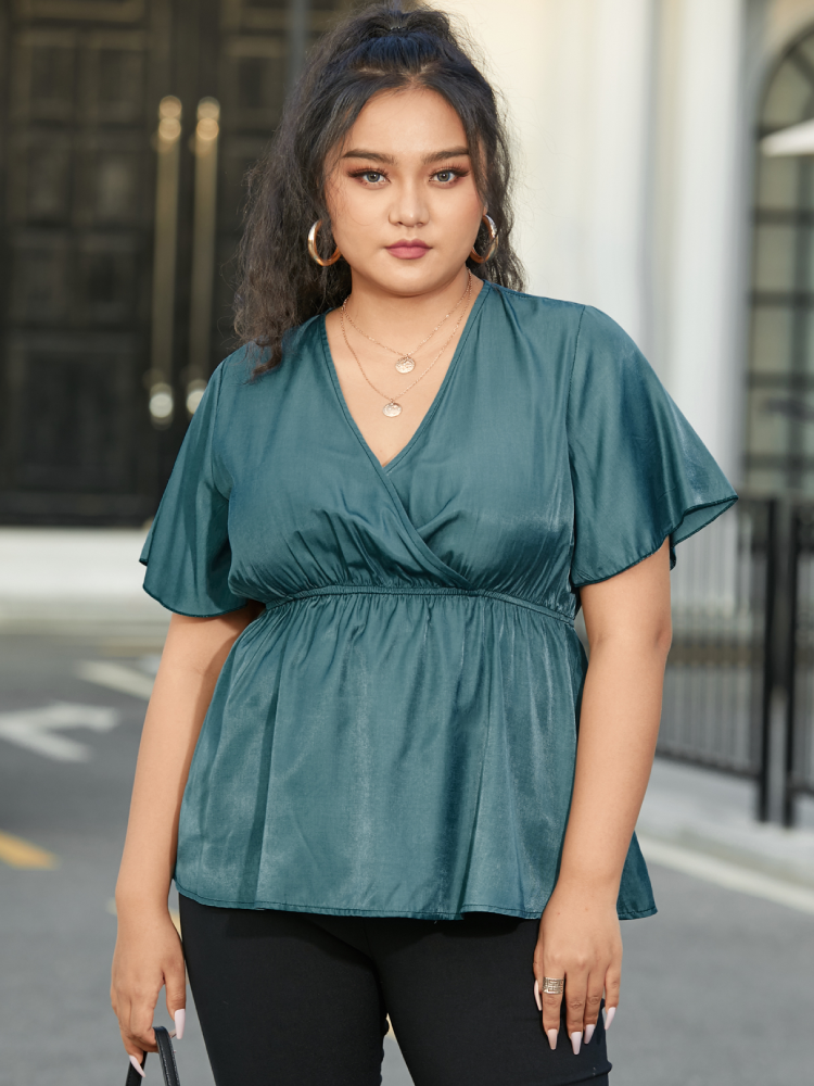 Solid Color V-neck Plus Size Casual Blouse for Women