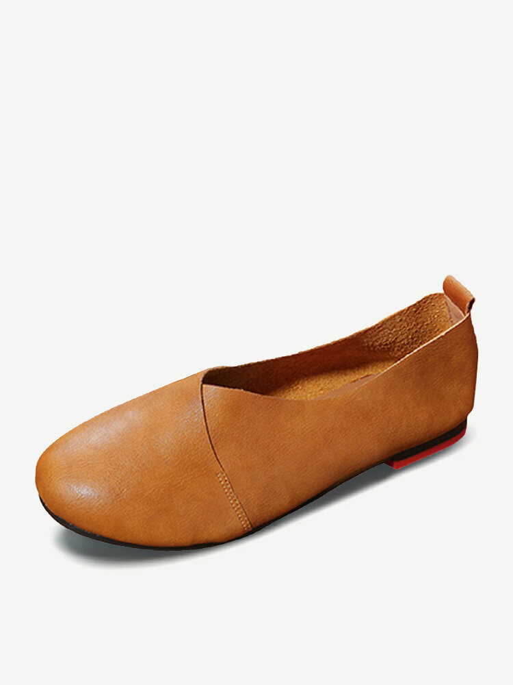 LOSTISY Large Size Pure Color Slip On Vintage Casual Flat Loafers