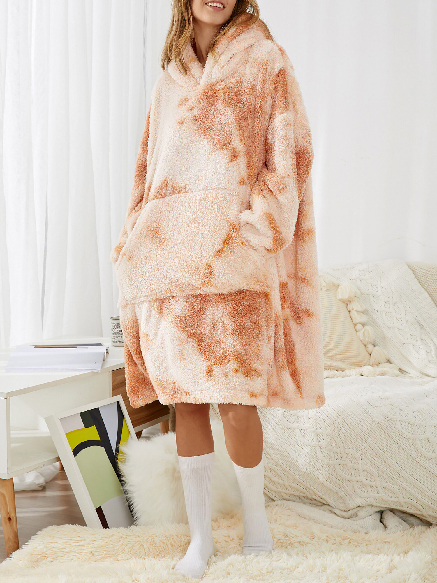 Women Tie-Dye Fleece Thicken Lounge Home Loose Double Plush Blanket Hoodie With Front Pocket