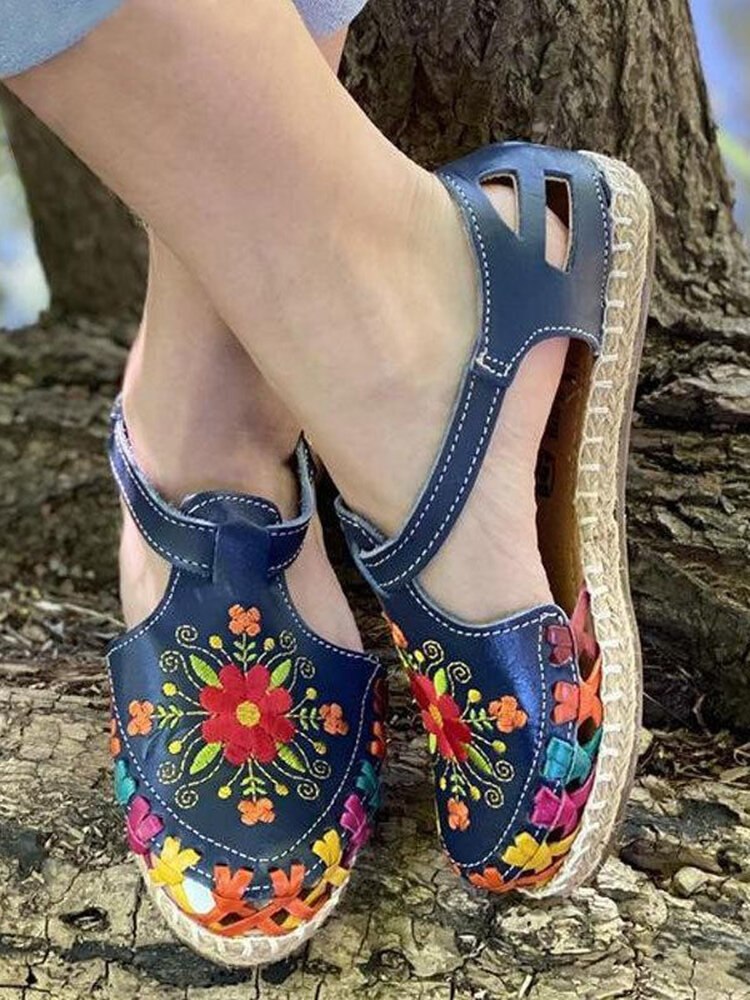 Plus Size Ethnic Flowers Embroidered Hollow Closed Toe Espadrilles Flat Sandals For Women