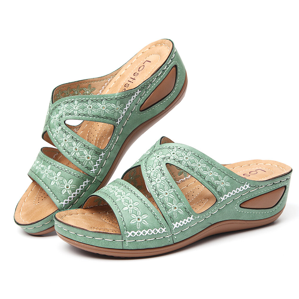 LOSTISY Plus Size Handmade Flower Embroidered Opened Toe Comfortable Casual Sandals