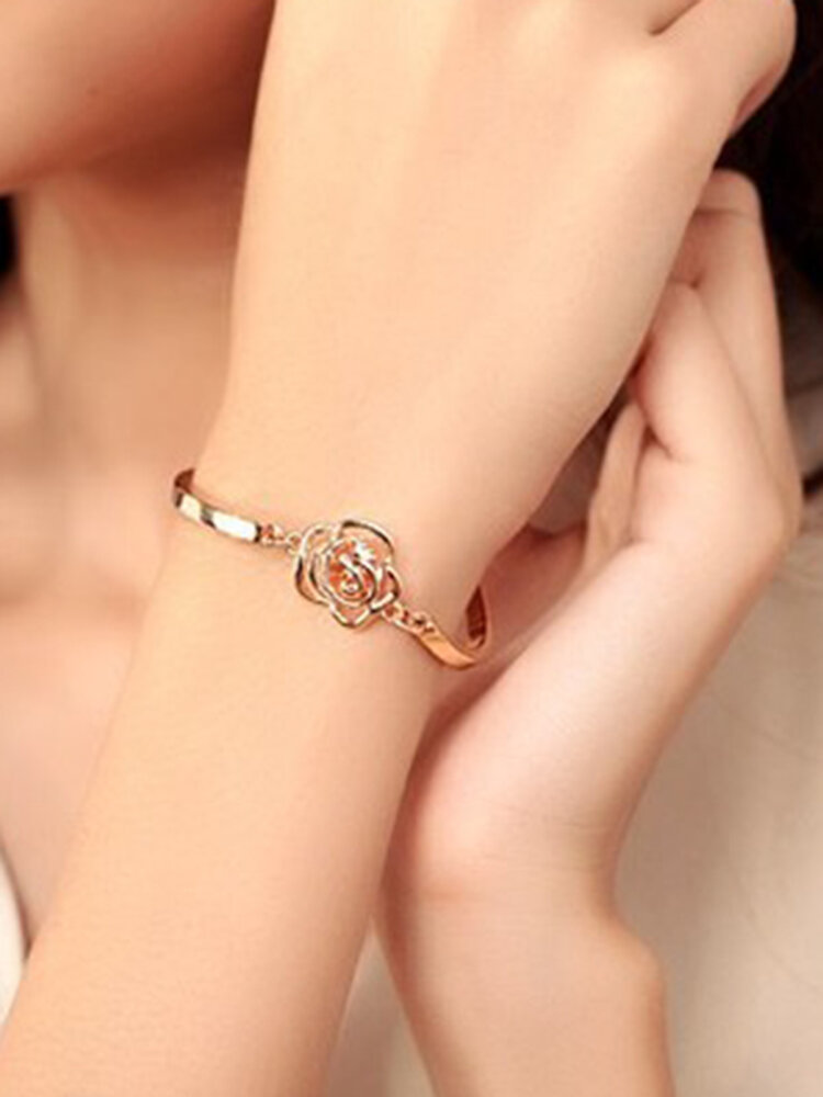 Trendy Openwork Rose Camellia Zircon Bracelet Elegant Metal Chain Bracelet
