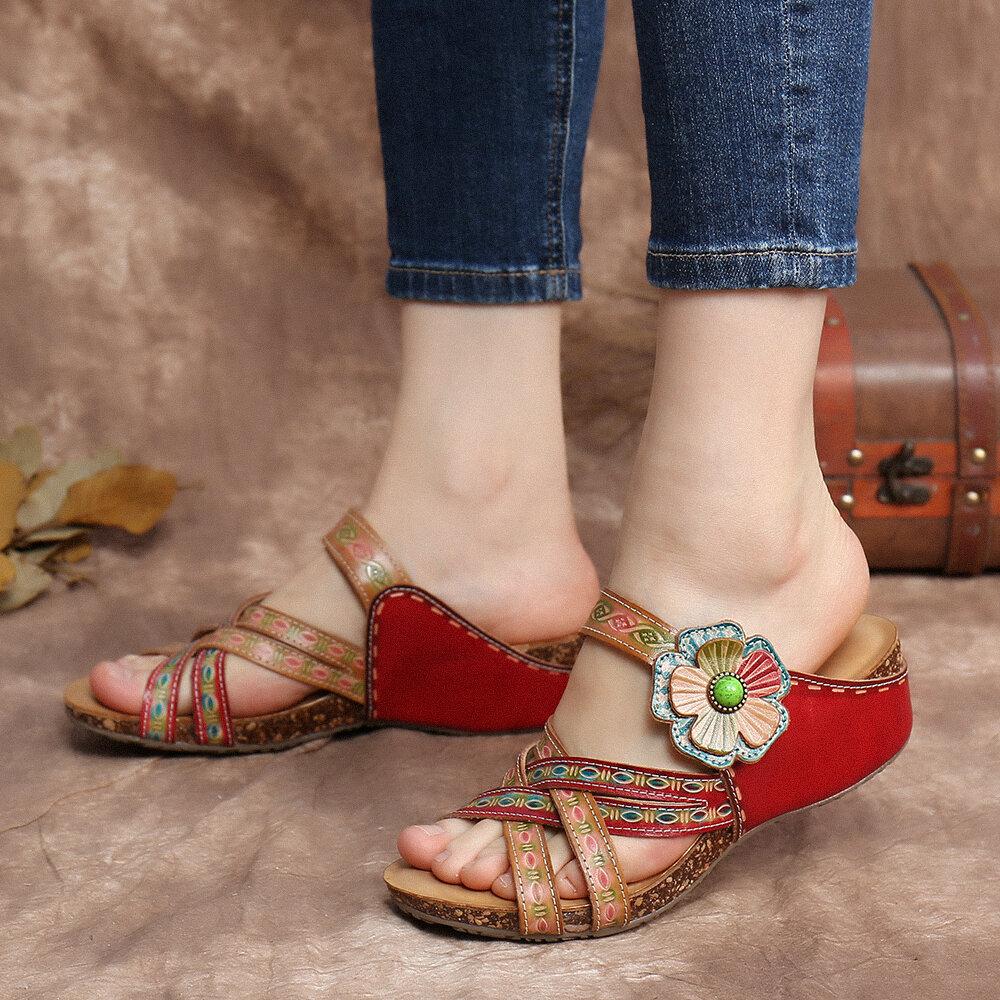 SOCOFY Handmade Leather Floral Crisscrossing Strap Slip on Slides Keil Sandalen