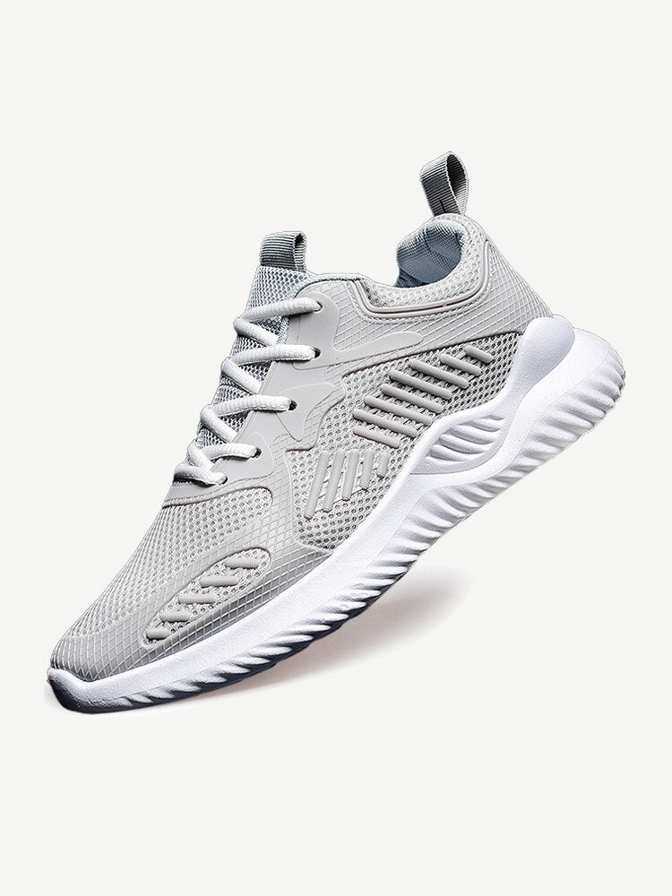 Men Mesh Splicing Breathable Soft Running Sneakers
