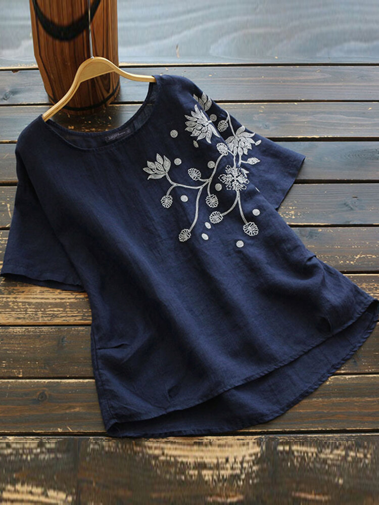 Embroidery Flowers Short Sleeve Plus Size T-shirt