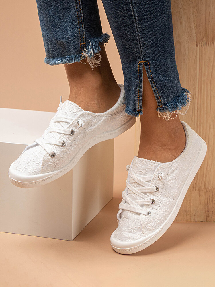 Large Size Comfy Cloth Lace Floral Lace Up Flat White Shoes For Women