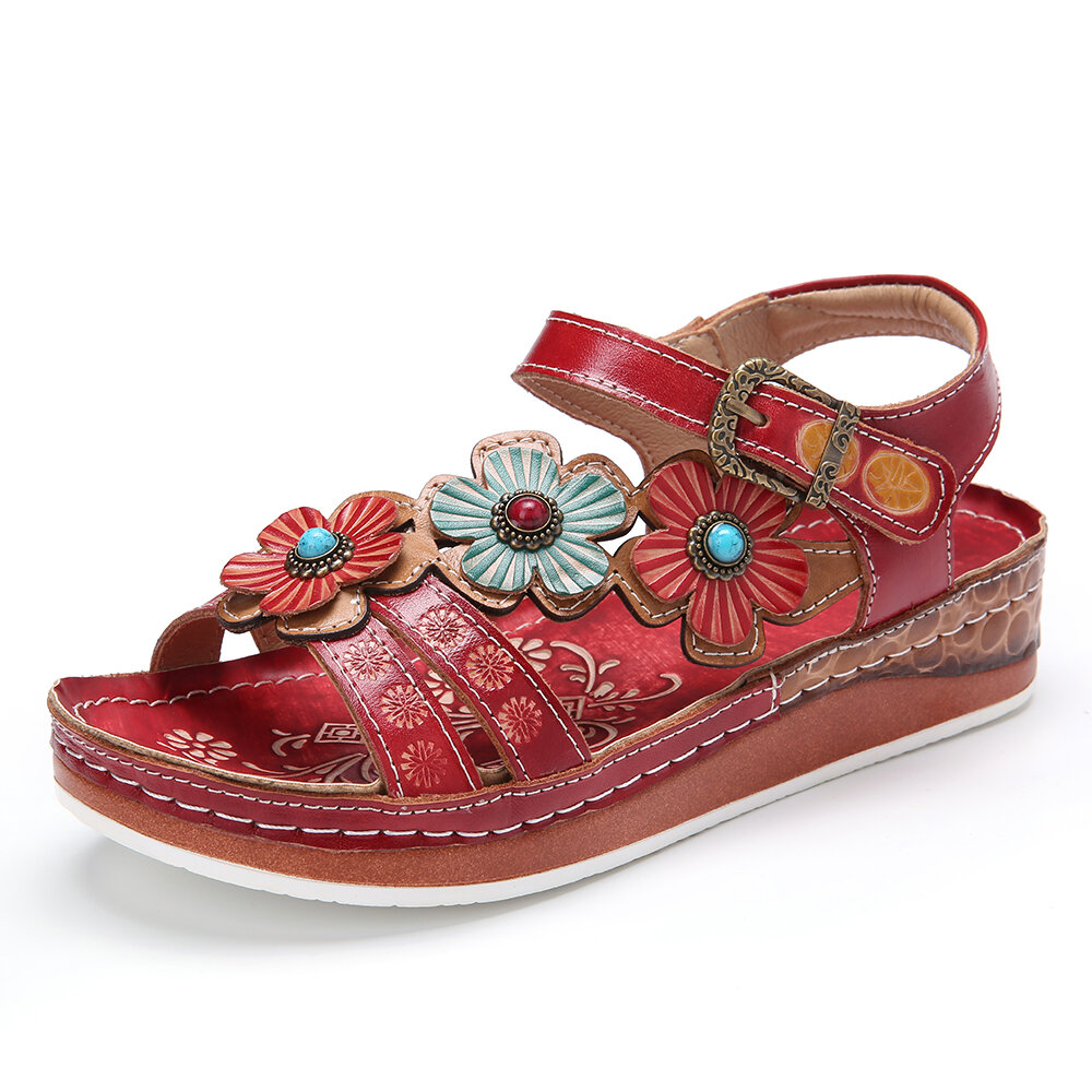 SOCOFY Retro Leather Floral Stitching Embossed Buckle Strap Flat Sandals