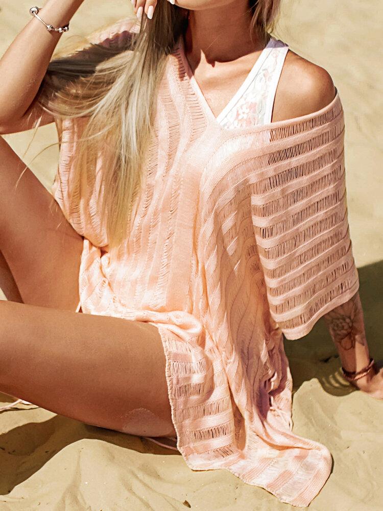女性のかぎ針編みの中空カバーはプレーンVネックサイドスリットライト水着を持ち上げます