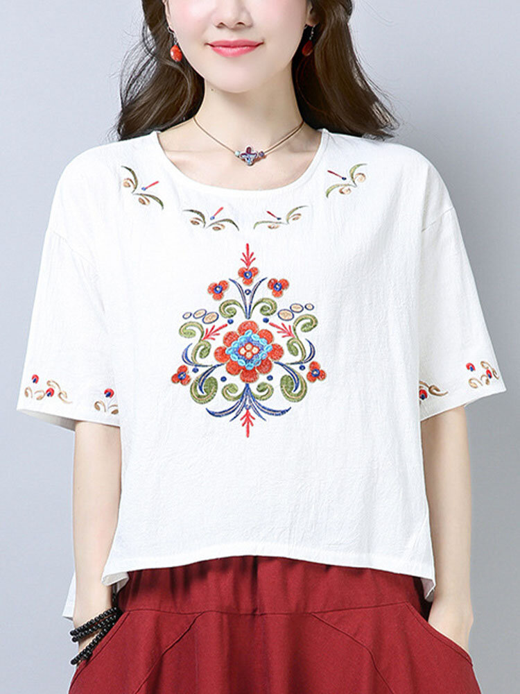 Floral Embroidery O-neck Half Sleeve Women Loose Tribal T-shirt