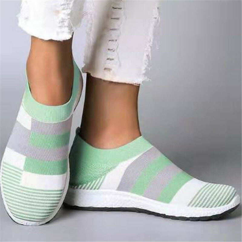 Plus Size Women Casual Splicing Breathable Knit Elastic Flat Sneakers