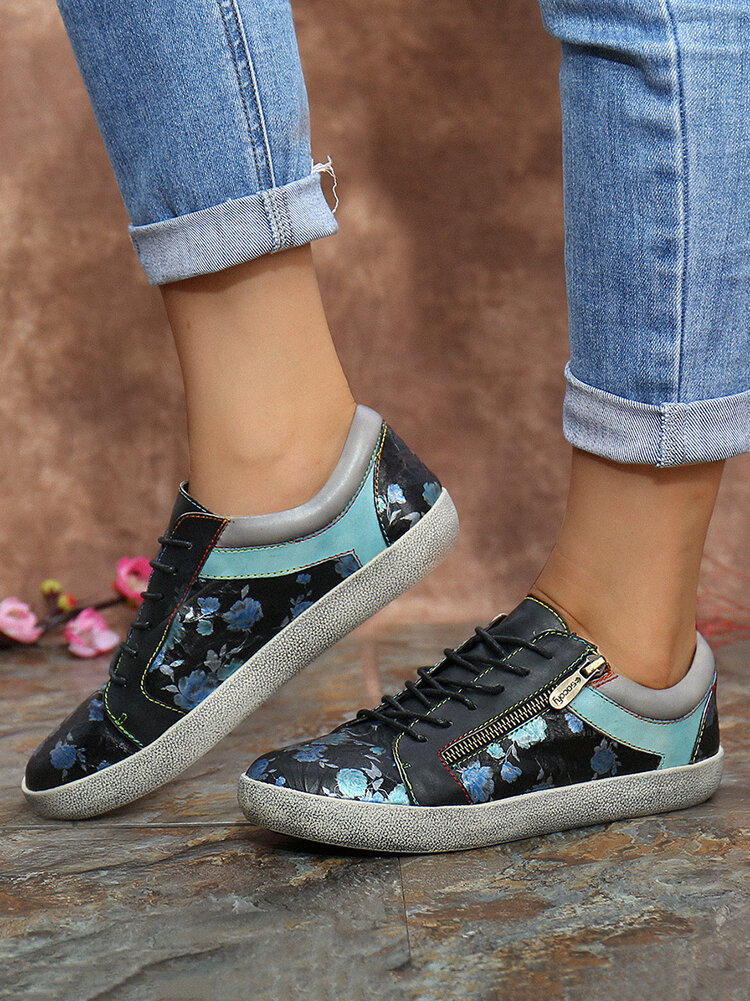 SOCOFY Retro Leather Printing Pattern Stitching Zipper Lace Up Flat Sneakers