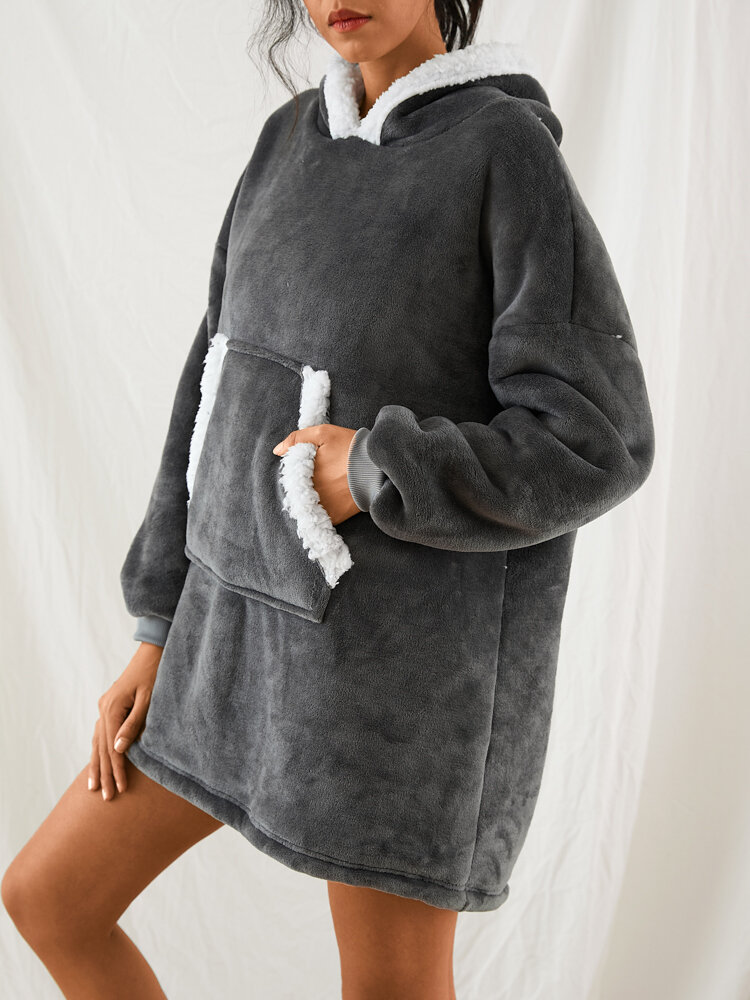 Women Flannel Wearable Blanket Hoodies Thicken Warm Patched Home Oversized Sweatshirt With Handy Pocket
