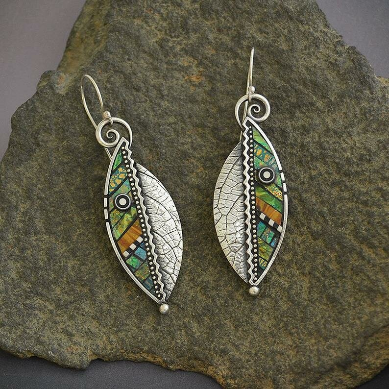 Vintage 925 Silver Plated Geometric Abstract Iridescent Green Leaf Earrings Serrated Leaf Pendant Necklace