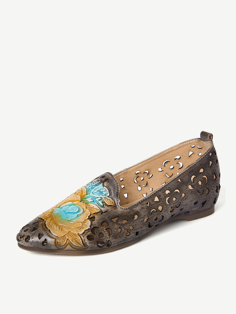 SOCOFY Retro Embossed Delicate Peony Hollow Flower Pattern Genuine Leather Flat Elegant Loafer