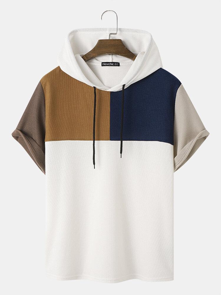 T-shirts à capuche ample à manches courtes et patchwork de blocs de couleurs en tricot gaufré pour hommes